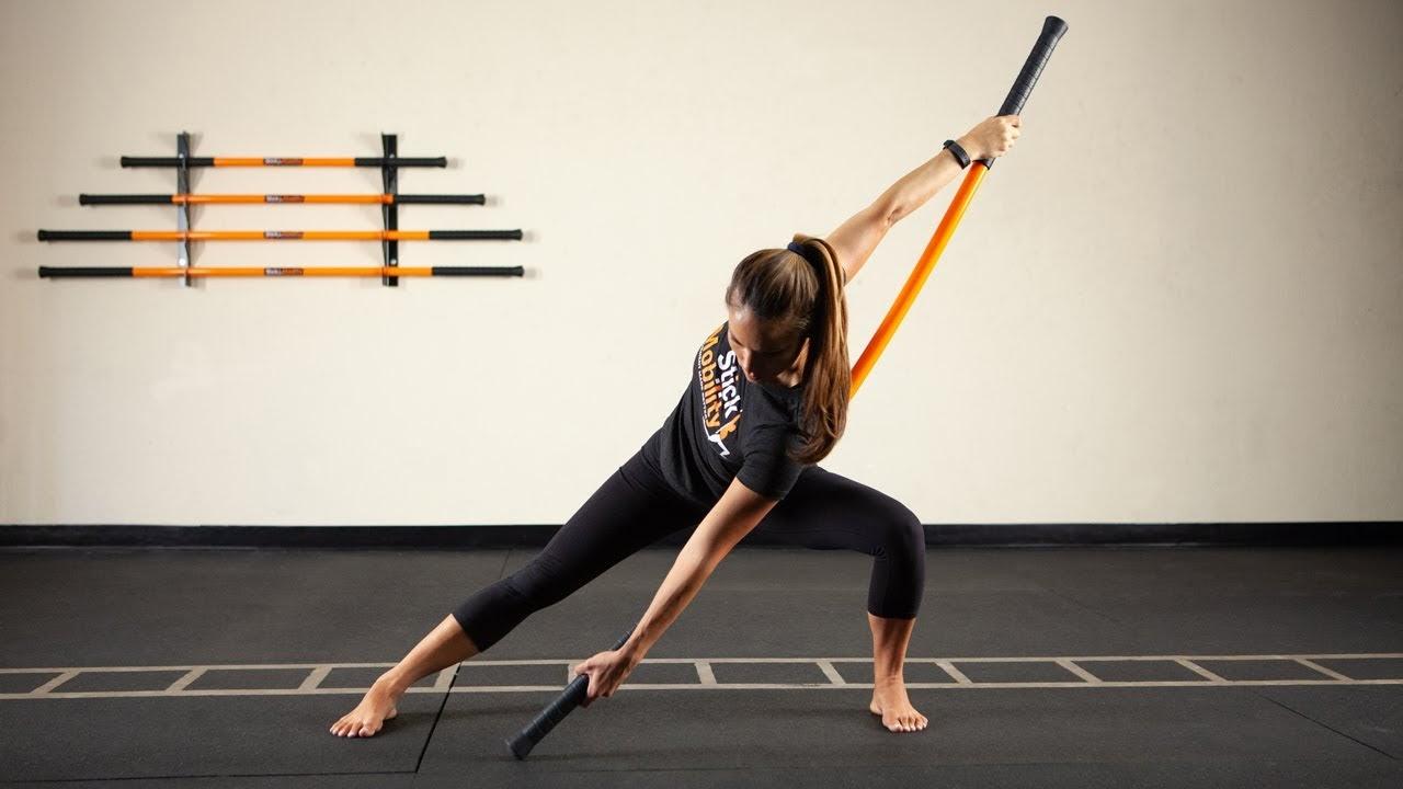 Yoga với gậy - Lớp học mang nhiều lợi ích bạn không thể bỏ qua